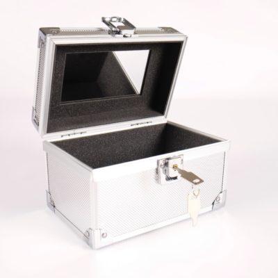 RMBA001 : Silver Cosmetic Case